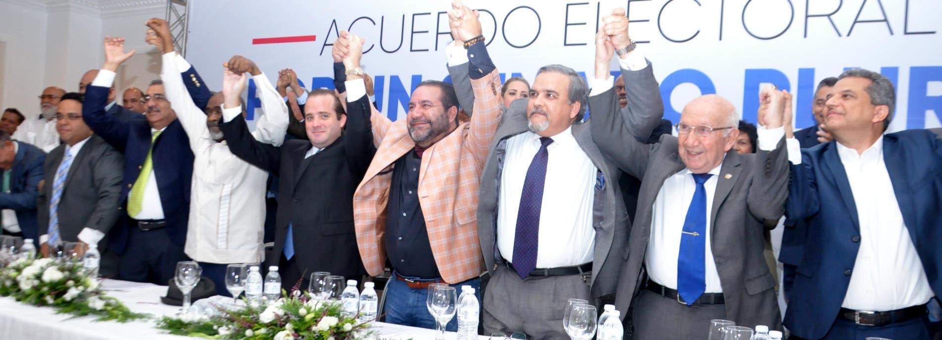 Doce opositores pactan llevar  senadurías en  24 provincias
