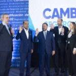 Luis Abinader juramento movimiento de aseguradoras con luis. 21-11-19 Foto: Jose Adames Arias