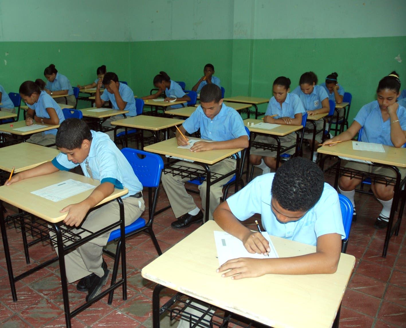 Coronavirus: Debatirán si se concluye o no el año escolar en el país