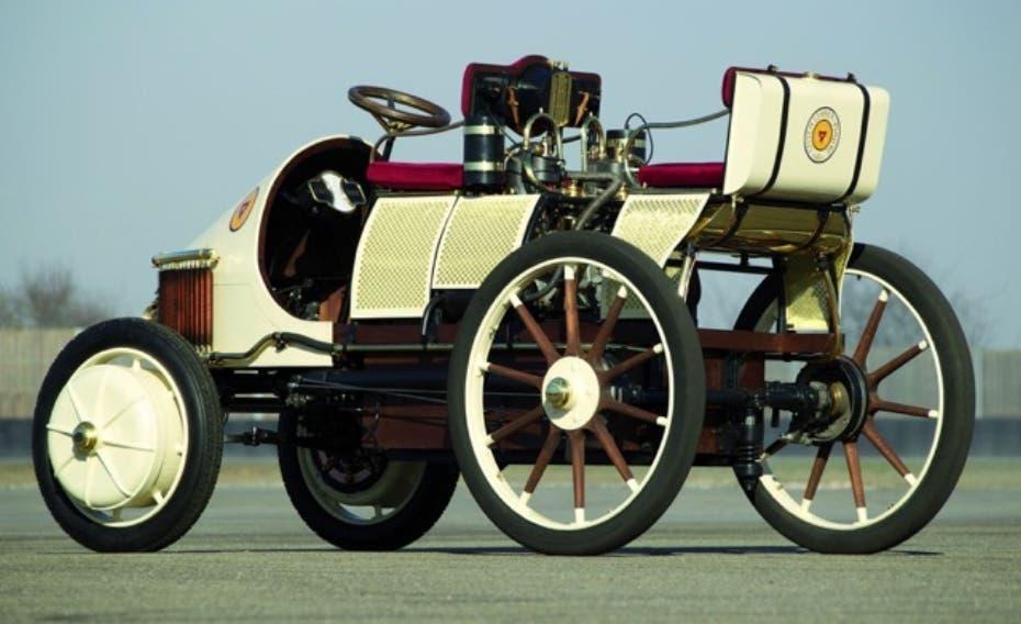 Lohner-Porsche. El primer auto híbrido