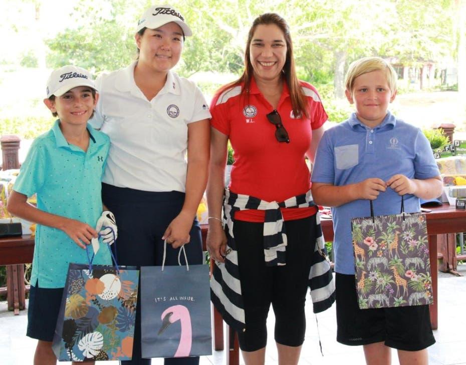Stephany Kim gana el torneo juvenil de golf