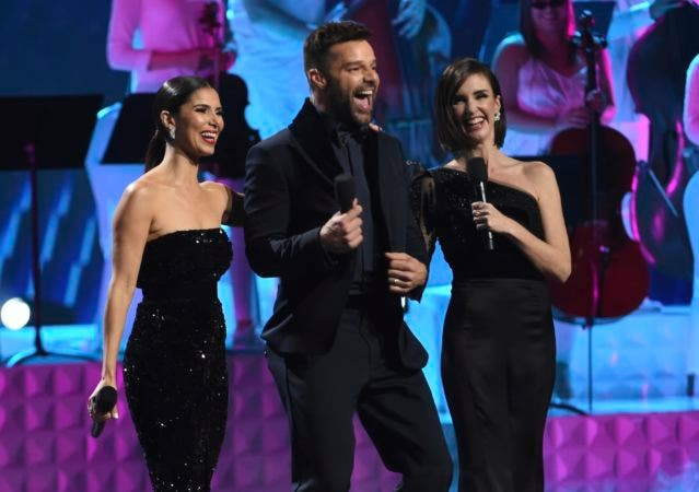 7. Roselyn Sánchez, de izquierda, Ricky Martin y Paz Vega.
