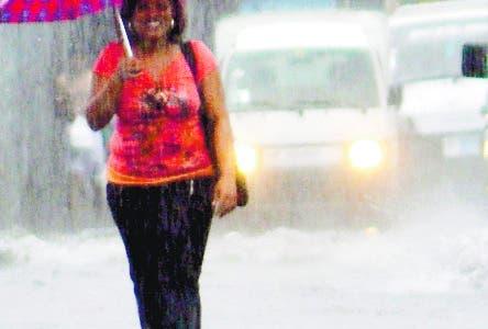 Vaguada mantendrá las lluvias;  COE sigue alerta