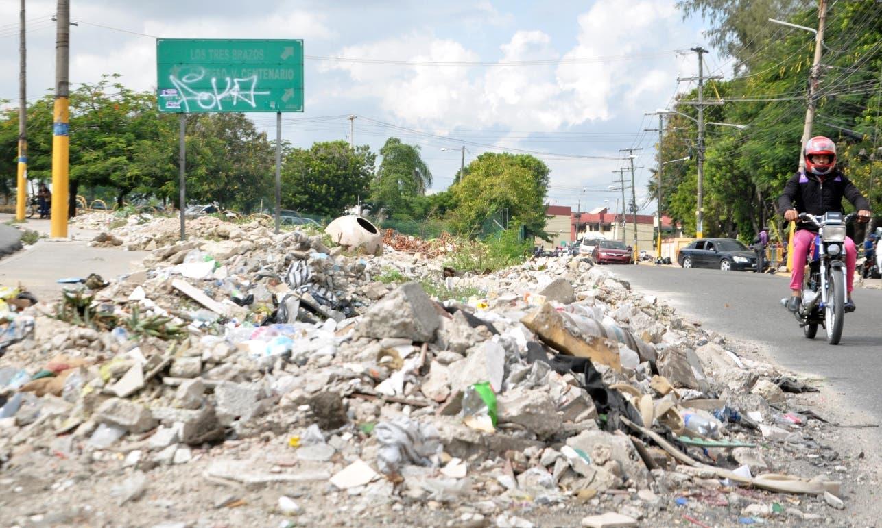 Áreas verdes destruidas  para el Metro abandonadas en DN y SDE