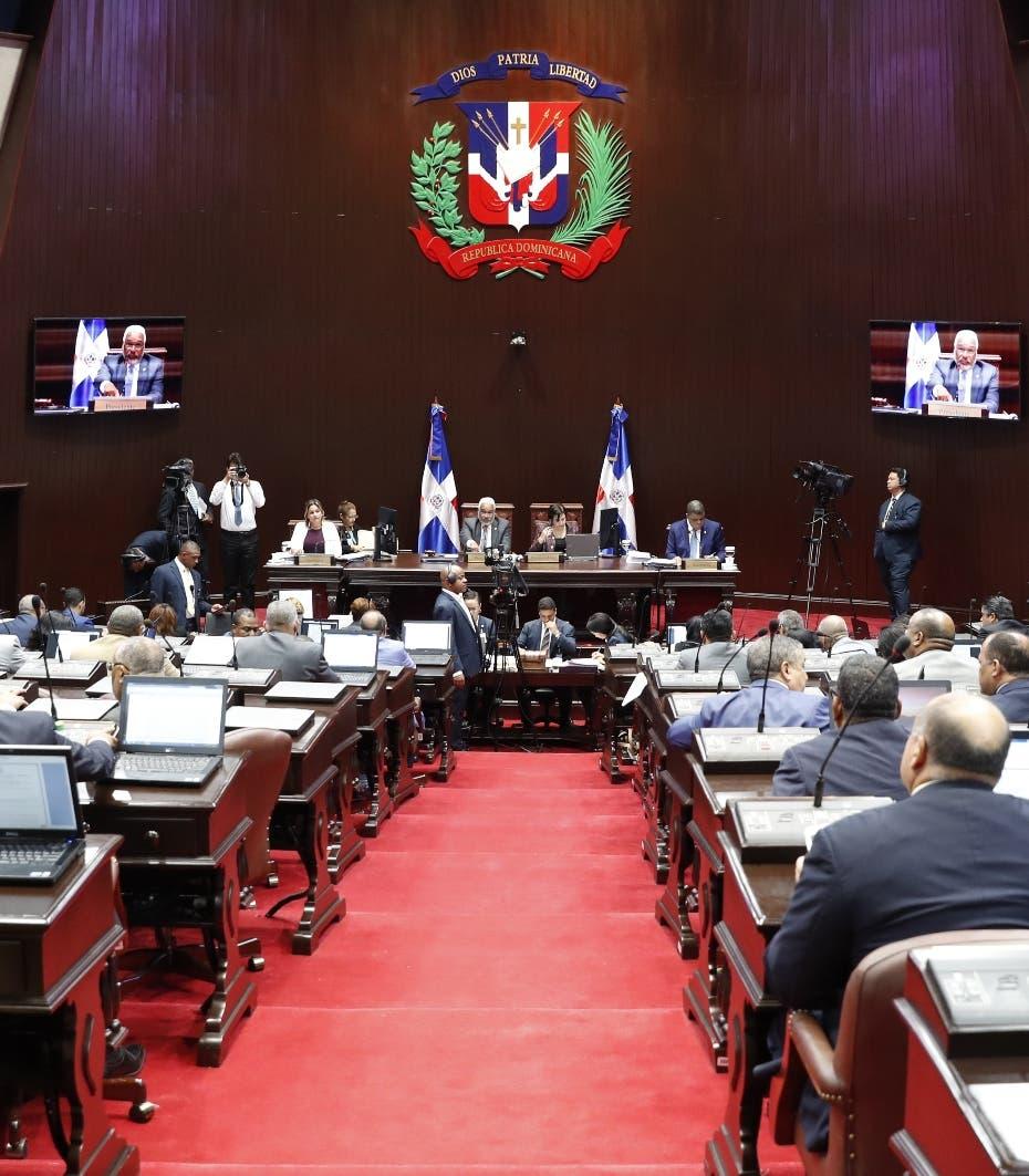 Cambios a Presupuesto 2019 irán a una comisión especial