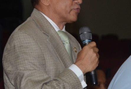 El Pais/   Enla Foto Jose Rafael Vargas.El Presidente del Senado Reynaldo Pared Perez, preside la Seccion del Senado ,Hoy/Jose Francisco /30-10-2019