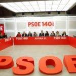 GRAF7025. MADRID, 11/11/2019.- El secretario general del PSOE, Pedro Sánchez (c), preside la reunión de la Comisión Ejecutiva Federal celebrada este lunes en la sede de Ferraz. EFE/Emilio Naranjo