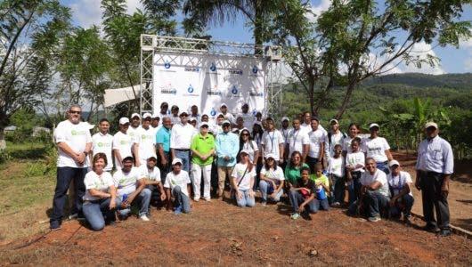 RedAmérica siembra 7,000 plantas en la zona del Higüero