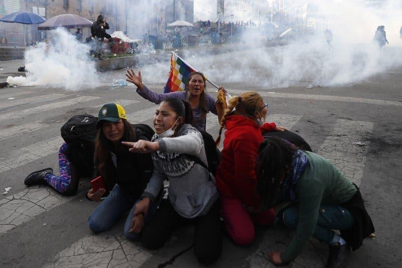 Bolivia: Congreso aprueba nuevas elecciones, sin Evo Morales