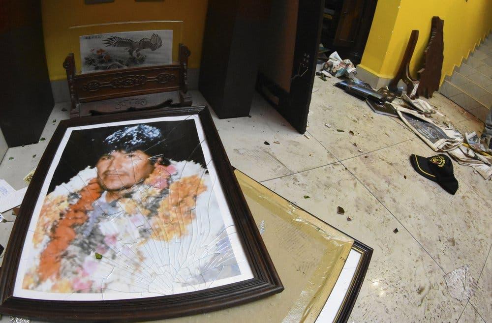 Bolivia: Reina la incertidumbre tras la renuncia del presidente Evo Morales y sus sucesores teóricos