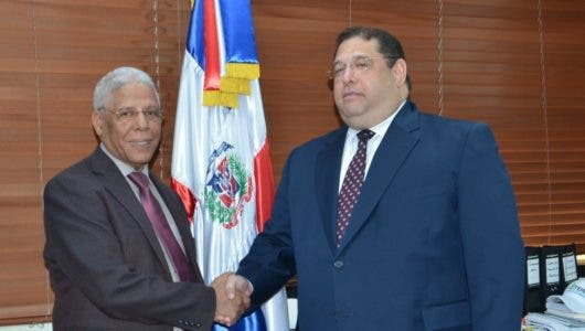 Director de Comedores Económicos supervisa trabajos de nuevas instalaciones funcionará en la Lotería Nacional