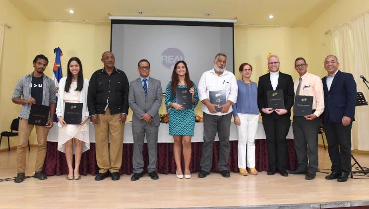 """Entregan premios Certamen Nacional de Cuentos """"Camino Real"""""""
