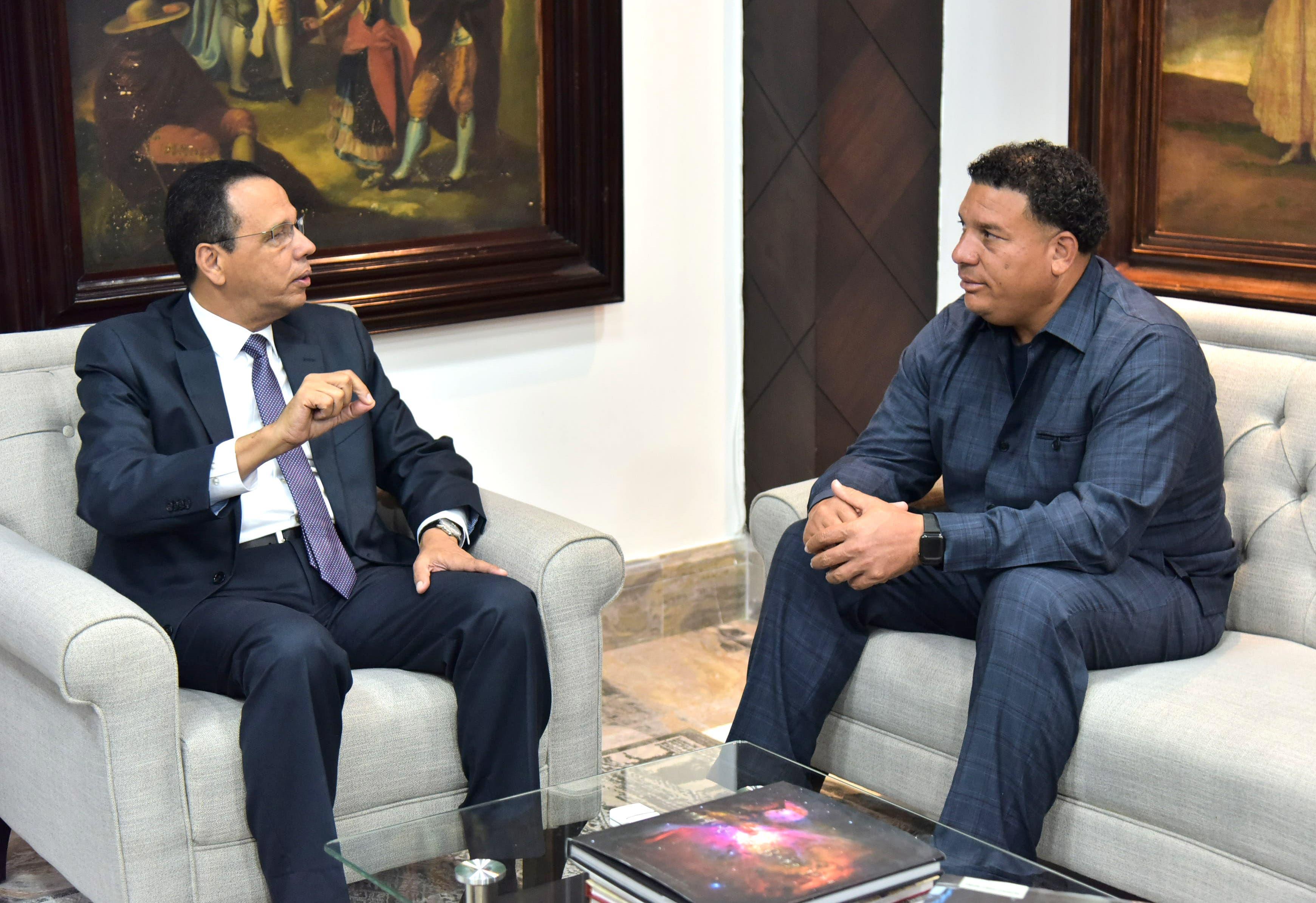 Peña Mirabal afirma profundiza creación del Programa Bachillerato en Línea para deportistas