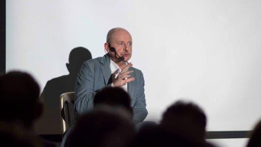 El escritor Fernando Marías durante la concurrida presentación de Esta noche Moriremos y Abril en Estambul.