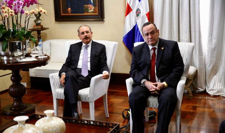 Lo que dijo el presidente electo de Guatemala tras reunión con Danilo Medina