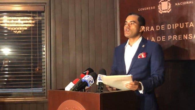 Diputado del PRM solicita Procurador renuncie de su cargo