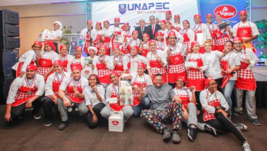 Estudiantes gastronomía APEC