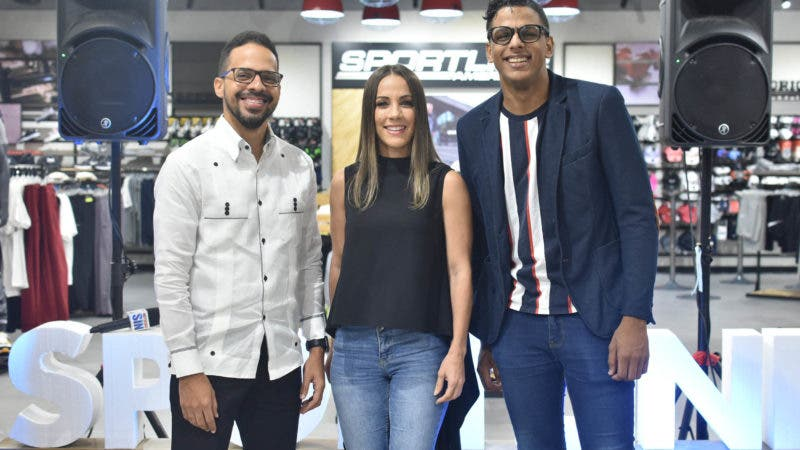 Eddy Mercedes, Karina Larrauri y Willy Aquino.