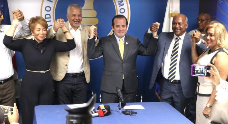 PRM juramenta directivos del PRD en San Cristóbal y Haina