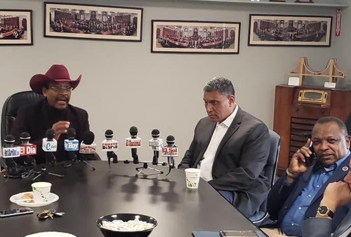 Video: Reverendo Díaz y Chú Vásquez exhortan dominicanos en Nueva York inscribirse en el Censo
