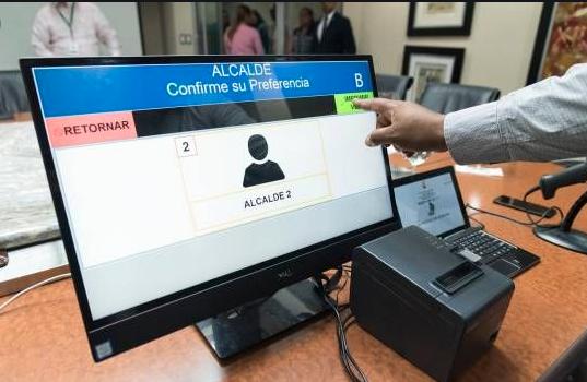 Cuatro partidos se oponen a que JCE use voto automatizado en  2020