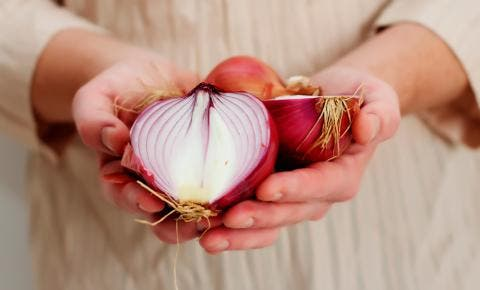 La cebolla: sus beneficios y propiedades nutricionales