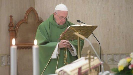El papa Francisco pide a empresas de Internet responsabilidad en protección de menores