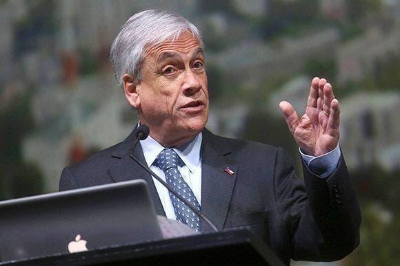 Sebastián Piñera admite abusos policiales y se abre a cambiar Constitución de Chile
