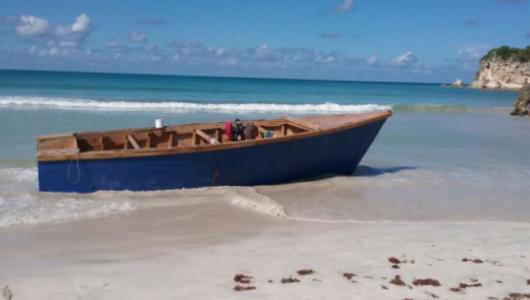 Video: Llevaba en camión una yola que sería usada para viaje ilegal Puerto Rico