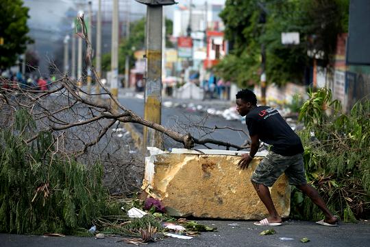 """""""Nuestra barricada es nuestro futuro»: vivir entre calles bloqueadas en Haití"""