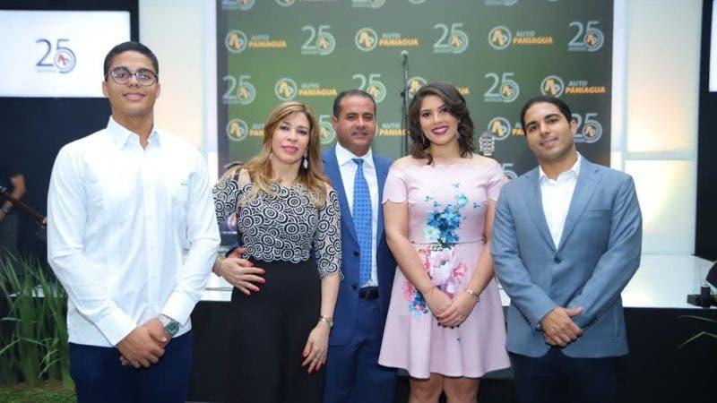 Auto Paniagua celebra 25 aniversario con clientes, amigos y relacionados