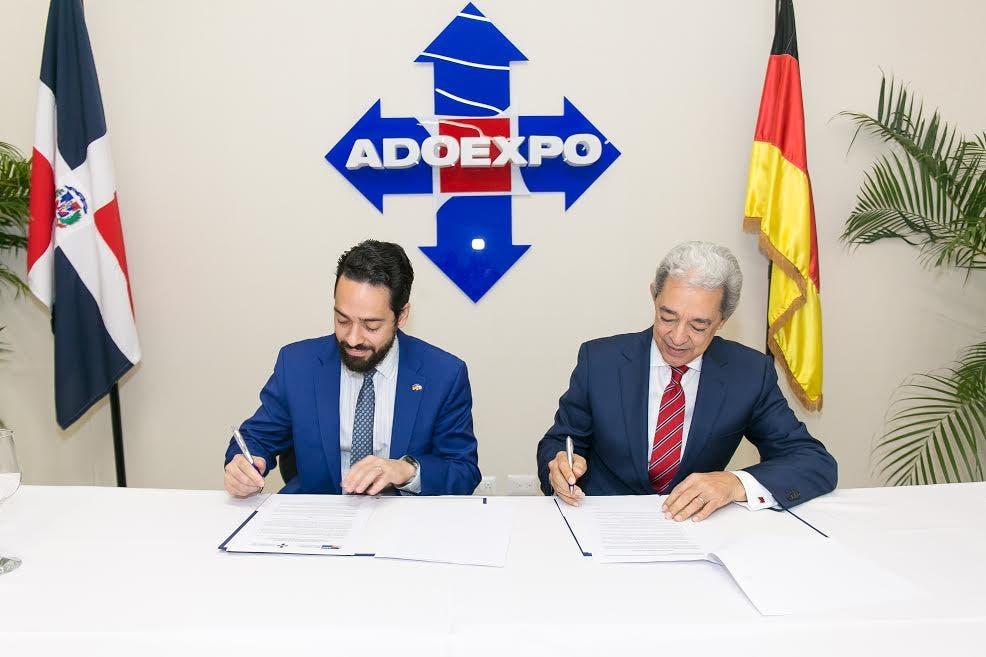 Firman acuerdo de colaboración para promover el comercio y la exportación