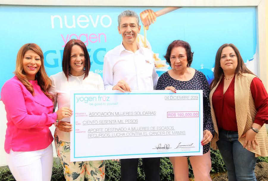 Entregan donativos a Mujeres Solidarias