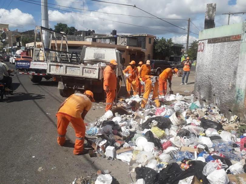 Retiran más de 700 toneladas de basura en Santo Domingo Este