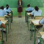Reportaje a las Pruebas Nacionales de La Secretaría de Estado de Educación (SEE),  desde este martes 16 hasta el jueves 29, para los estudiantes que cursa el octavo. Santo Domingo Republica Dominicana. 16 de junio de 2009. Foto Pedro Sosa
