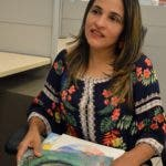 Entrevista a la artista Alma Vásquez, durante una visita a la redacción el periódico Hoy. Foto/ Napoleón Marte 27/11/2019