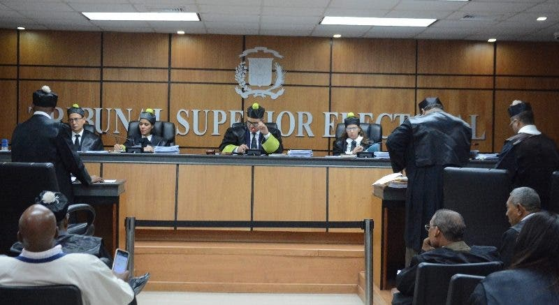 El Tribunal Superior Electoral (TSE) durante una sesión en el TSE SANTO DOMINGO, República Dominicana.- 17 de noviembre del 2019. Foto Pedro Sosa