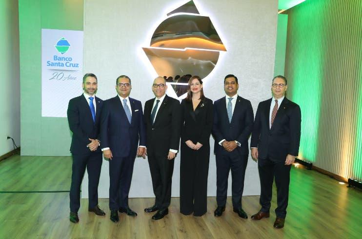 Banco Santa Cruz celebra sus 20 años y  las Navidades con sus clientes y relacionados