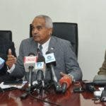 El ministro de Agricultura, Osmar Benítez, anuncia campaña para avicultores.......