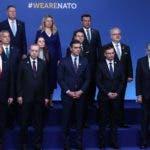 GRAF3164. LONDRES (REINO UNIDO), 04/12/2019.- (De izq a der, delante) El presidente de EE.UU., Donald Trump; su homólogo turco, Recep Tayyip Erdogan; el presidente del Gobierno español, Pedro Sánchez; el primer ministro esloveno, Marjan Sarec, y el presidente austriaco, Alexander van der Bellen, posan junto al resto de lo líderes de los países miembros de la OTAN para una foto de familia, este miércoles, con motivo del 70º aniversario de la organización militar, en Londres, Reino Unido. Los mandatarios debaten el futuro de la alianza cuando se cuestiona la unidad y viabilidad del bloque. EFE/POOL MONCLOA/Fernando Calvo