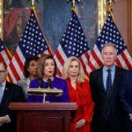 Washington (United States), 10/12/2019.- Speaker of the House Nancy Pelosi (3-L), with House Judiciary Committee Chairman Jerry Nadler (L), House Permanent Select Committee on Intelligence Chairman Adam Schiff (R), House Ways and Means Committee Chairman Richard Neal (2-R),House Oversight and Reform Committee Chairwoman Carolyn Maloney (3-R), House Financial Services Committee Chairwoman Maxine Waters (2-L), delivers remarks during a press conference to unveil two articles of impeachment, charging President Donald J.Trump with abuse of power and obstruction of Congress, on Capitol Hill in Washington, DC, USA, 10 December 2019. The Judiciary Committee will vote on the two articles Thursday, setting up a vote on the House floor next week. (Estados Unidos) EFE/EPA/SHAWN THEW
