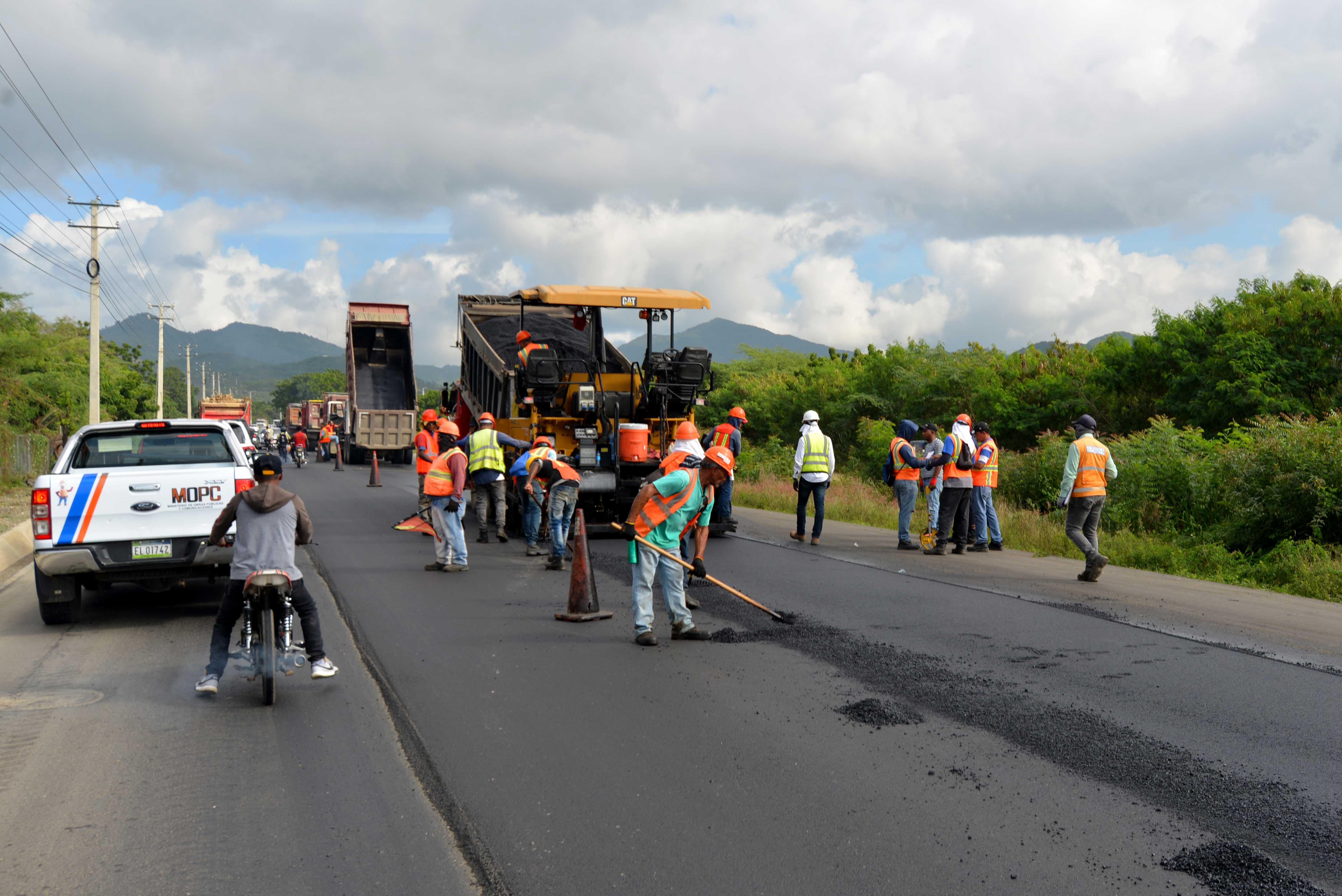 Avanzan en más de 90% trabajos construcción carretera Navarrete-Puerto Plata