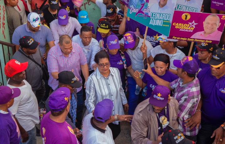 Candidato a alcaldía Carlos Guzmán recibe respaldo en Sabana Pérdida