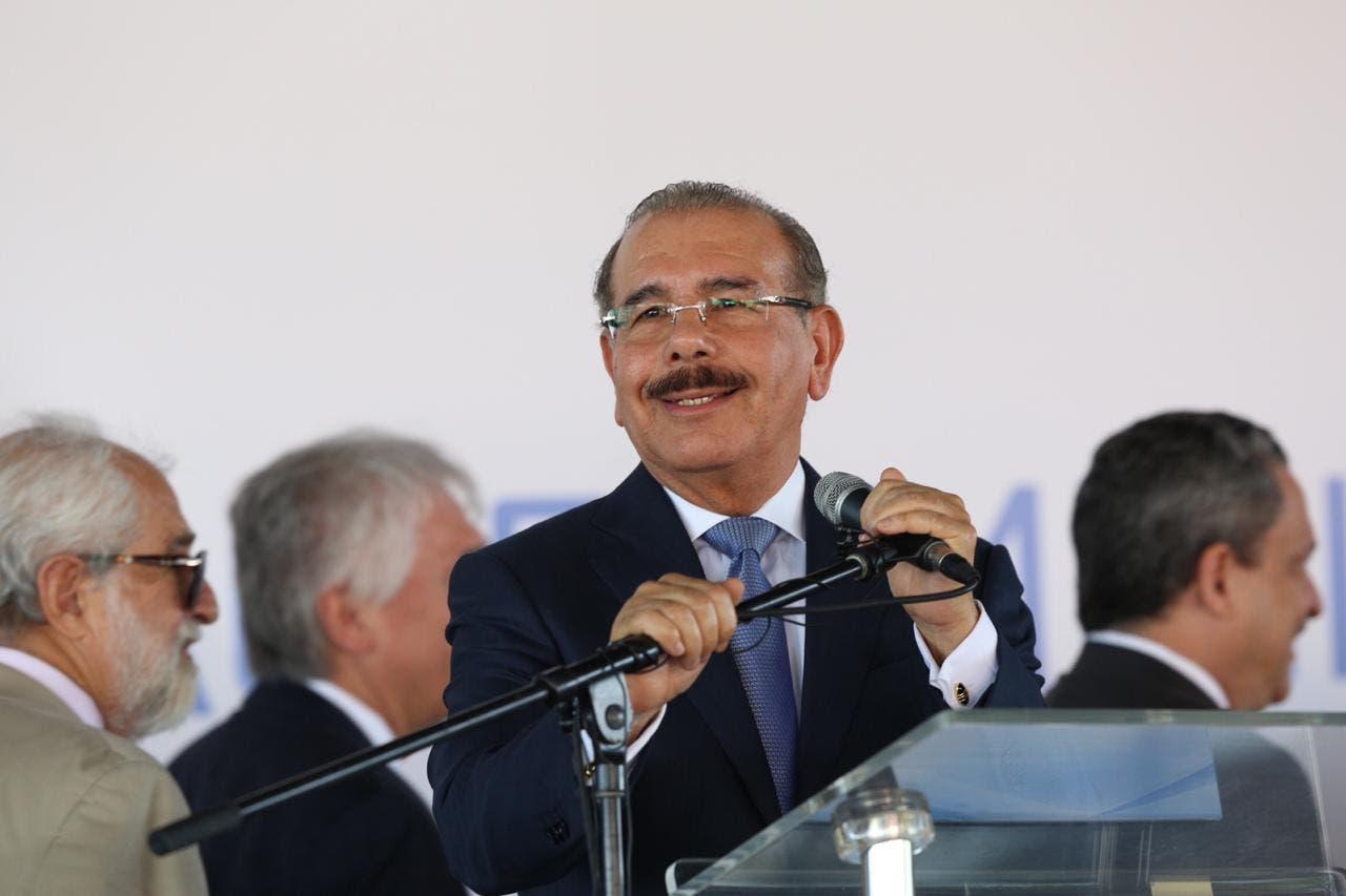 Videos: Así defiende Danilo Medina a Punta Catalina