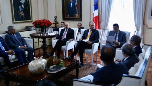 Danilo Medina encabeza reunión de seguimiento construcción escuelas, liceos y estancias infantiles