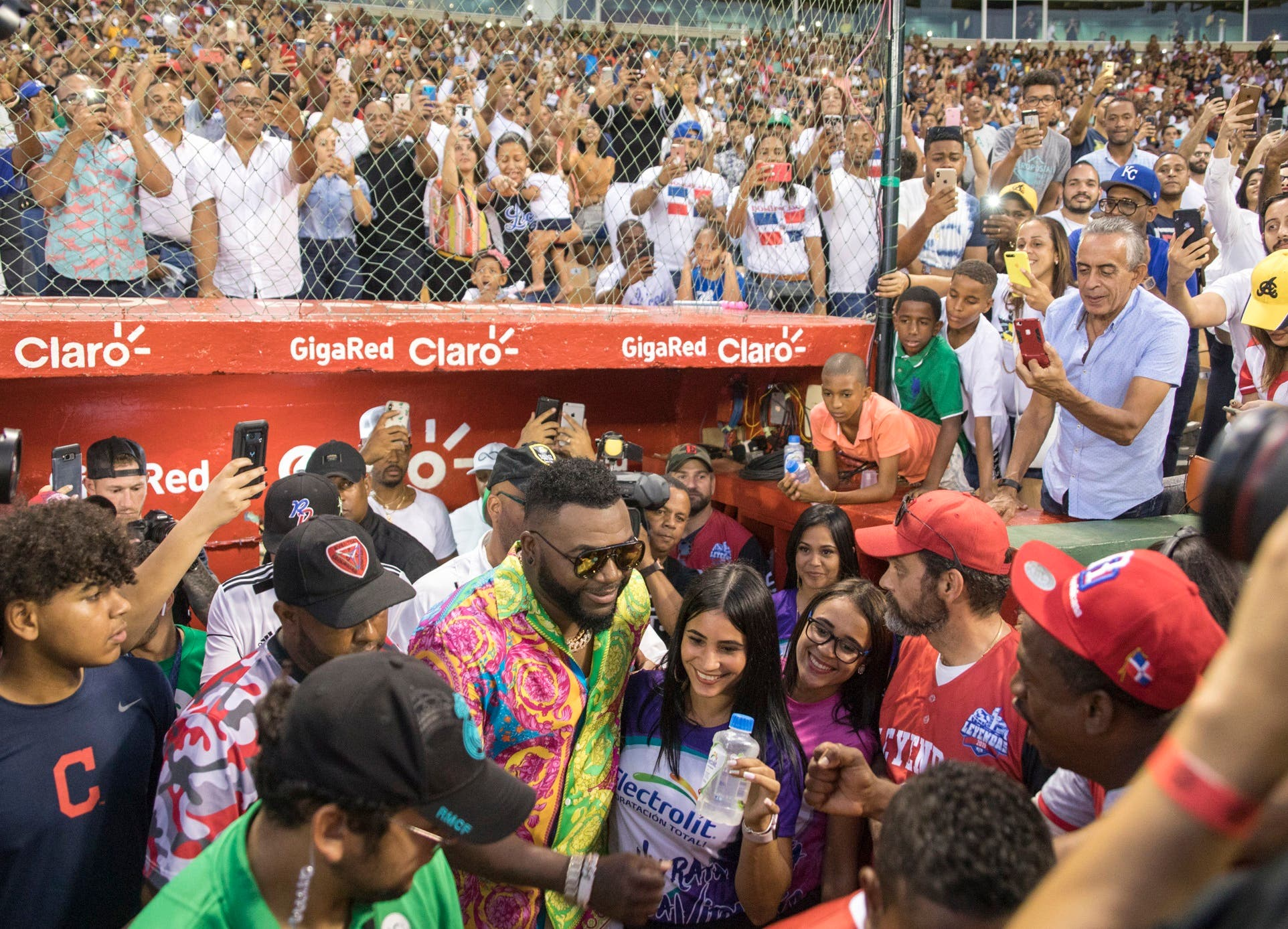 Fotos y video: Así fue la aparición de David Ortiz en el Estadio Quisqueya tras casi seis meses de tiroteo