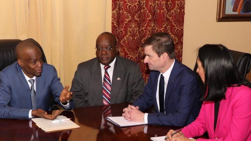 Presidente de Haití insta a Maduro a celebrar unas elecciones