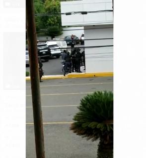 Video: Así fue la captura de supuesto feminicida en sucursal bancaria de Santiago