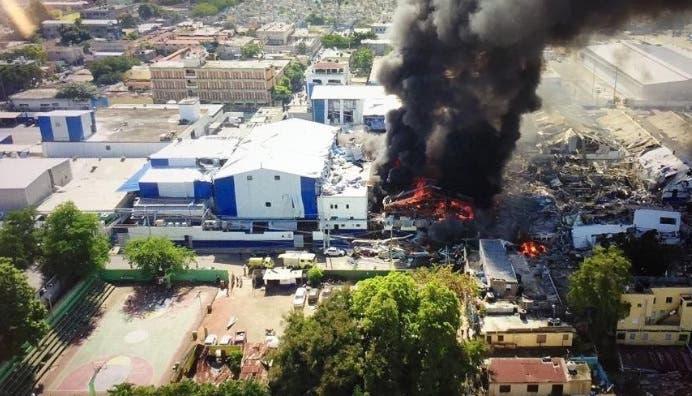 Fabrica de plástico que sufrió explosión en el sector de villa agrícol
