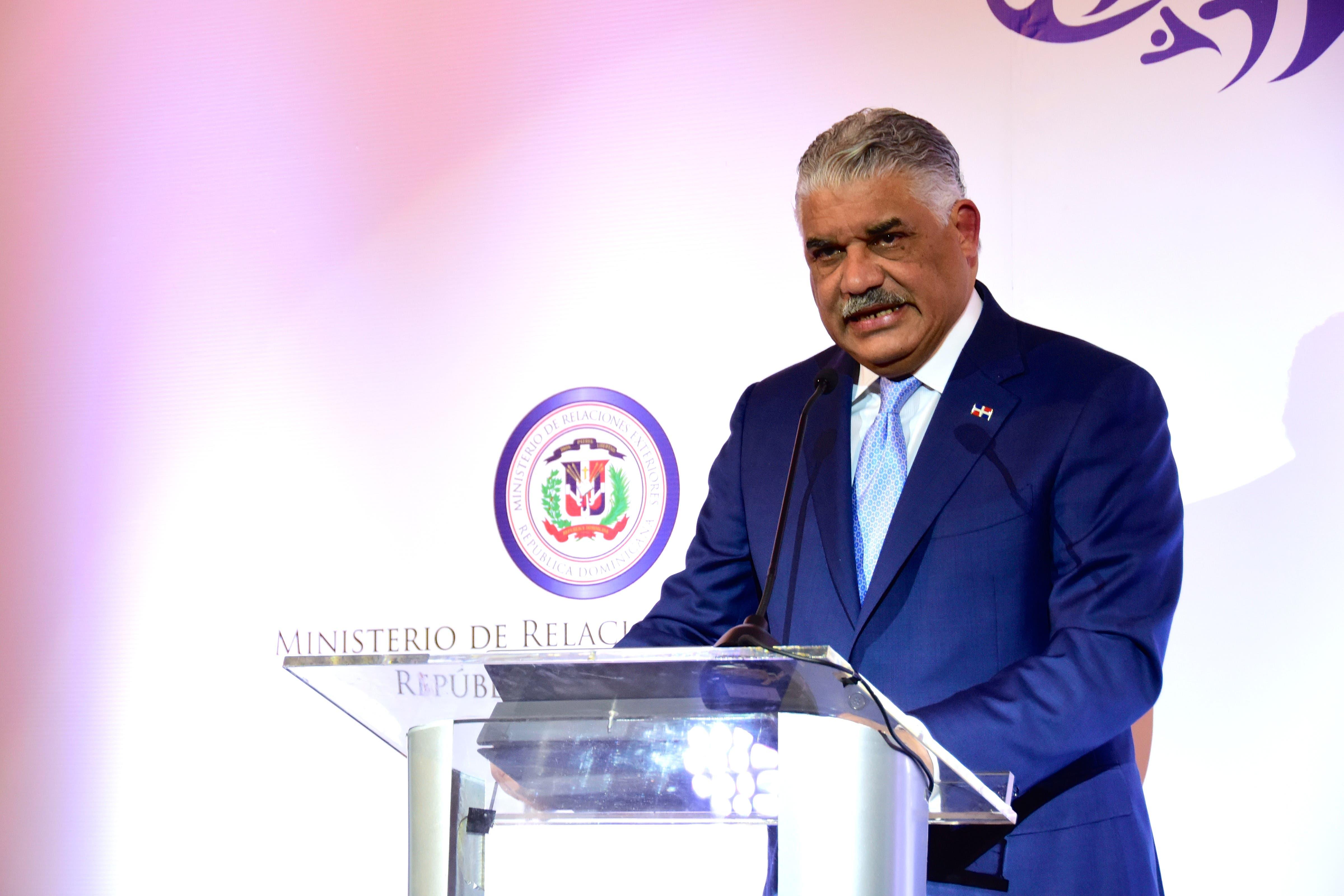Canciller Vargas viaja a El Salvador para reuniones del SICA